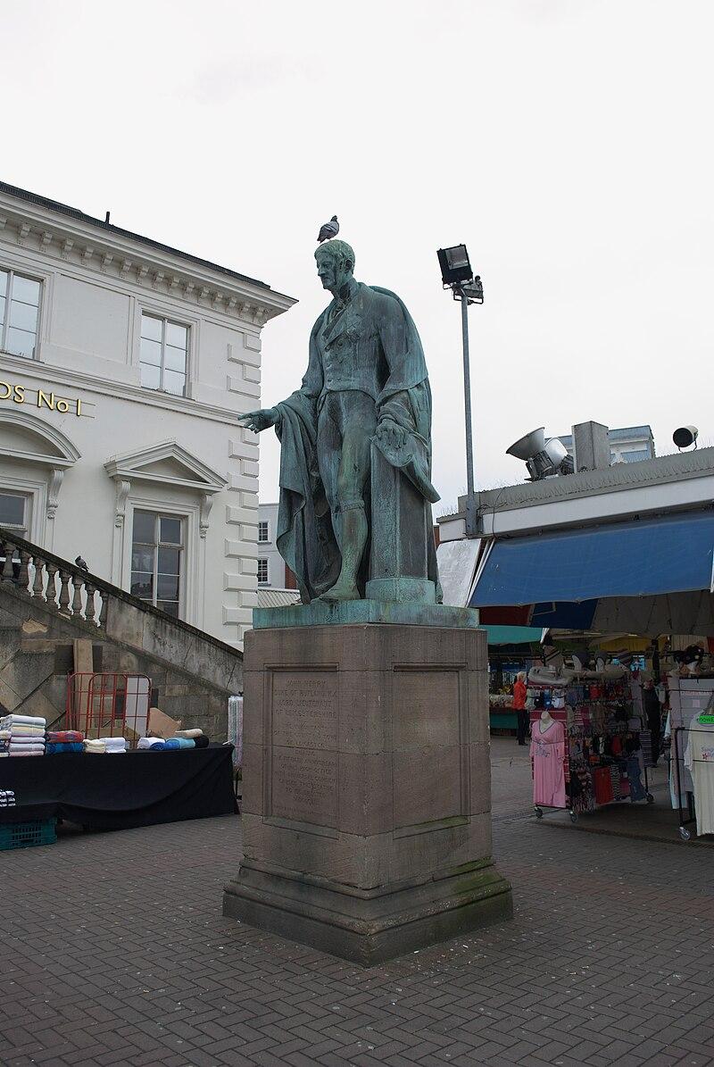 Leicester Market statue.jpg