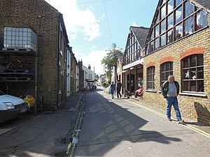Leigh-on-Sea - The High Street in Old Leigh
