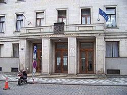 Letenská, ministerstvo financí, vchod.jpg