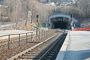 Lier Station - Looking straight into Lieråsen Tunnel from Lier Station