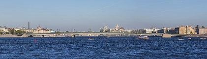 Liteyny Bridge Panorama.jpg