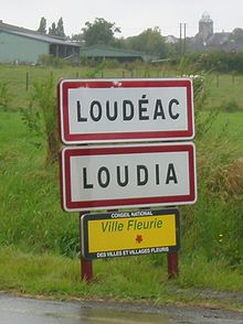 Loudéac bilingual sign Gallo.jpg