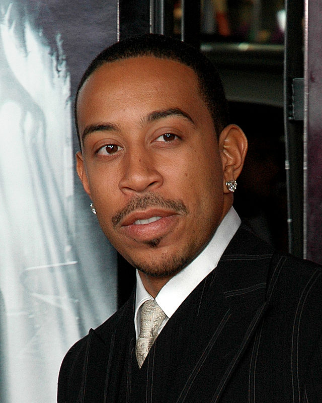 The 39-year old son of father Wayne Brian Bridges and mother Roberta Shields, 173 cm tall Ludacris in 2017 photo