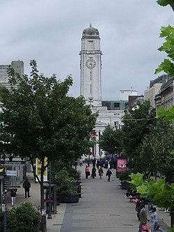 Luton Town Hall - geograph.org.uk - 944904.jpg