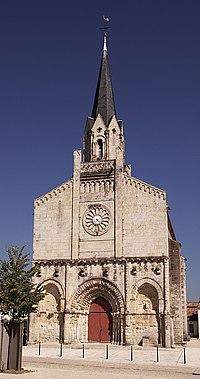 Maillé église.jpg
