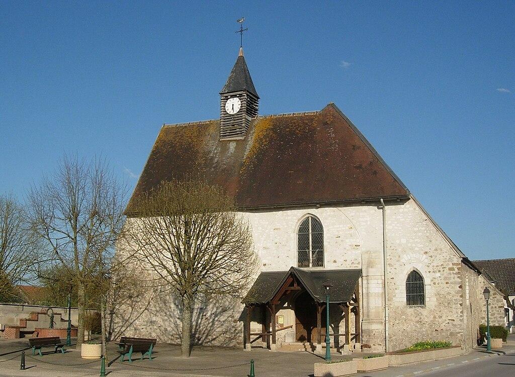 Marigny-le-Châtel église extérieur.JPG