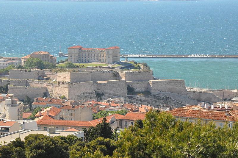 File:Marseille (France), Fort Saint-Nicolas and Palais du Pharo.JPG