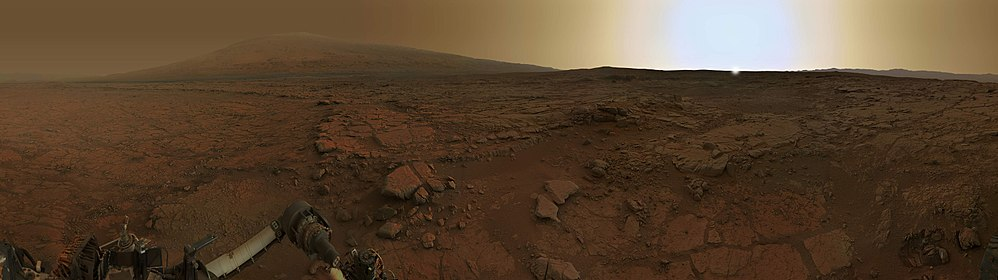 Panorama of rocks near the Curiosity Rover – near Yellowknife Bay at Twilight – Sol 170-176 (февраль 2013) (enhanced).