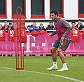 Mats Hummels Training 2019-04-10 FC Bayern Muenchen-1.jpg