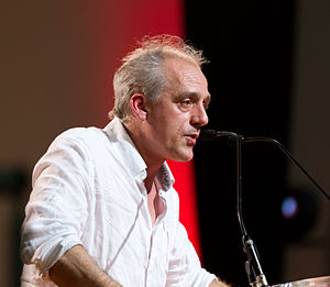 Philippe Poutou - Philippe Poutou campaining in March 2012 in Toulouse
