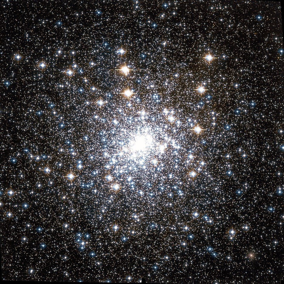 Messier 30 Hubble WikiSky