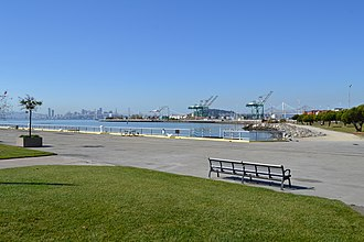 Middle Harbor Shoreline Park - Image: Middle Harbor Shoreline Park in the Port of Oakland
