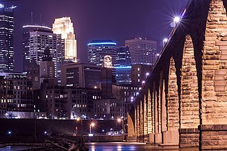 Minneapolis, Minnesota is on the Mississippi River Minneapolis Skyline and Stone Arch (15809540302).jpg