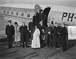 Missievliegtuig KLM vertrek Schiphol, Bestanddeelnr 904-7830.jpg