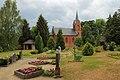 Mochow Friedhof Dorfkirche 01.JPG