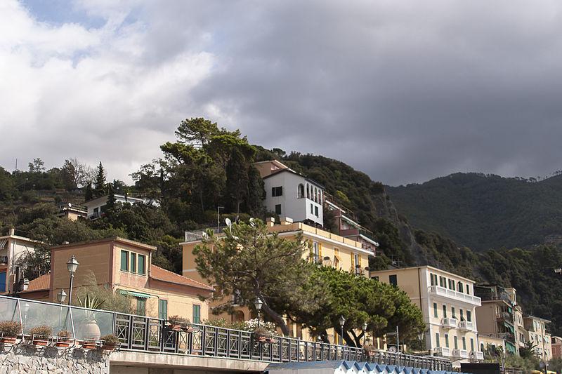 File:Monterosso S17.jpg