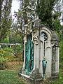 Monument funéraire art nouveau (Nancy) (4248530571).jpg