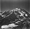 Muldrow Glacier, valley glacier with ogives, August 24, 1979 (GLACIERS 5199).jpg
