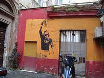 Murale nel rione Monti, celebrativo della conquista dello scudetto nel 2001, raffigurante Totti