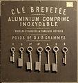 Musée des arts et métiers - échantillons de clés en aluminium.jpg
