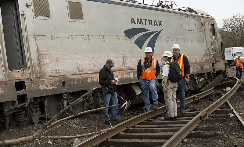 File:NTSB 2015 Philadelphia train derailment 3.jpg