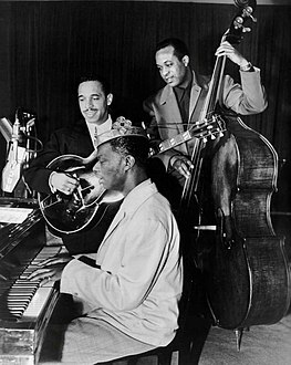 Nat King Cole Oscar Moore Johnny Miller King Cole Trio 1947.JPG