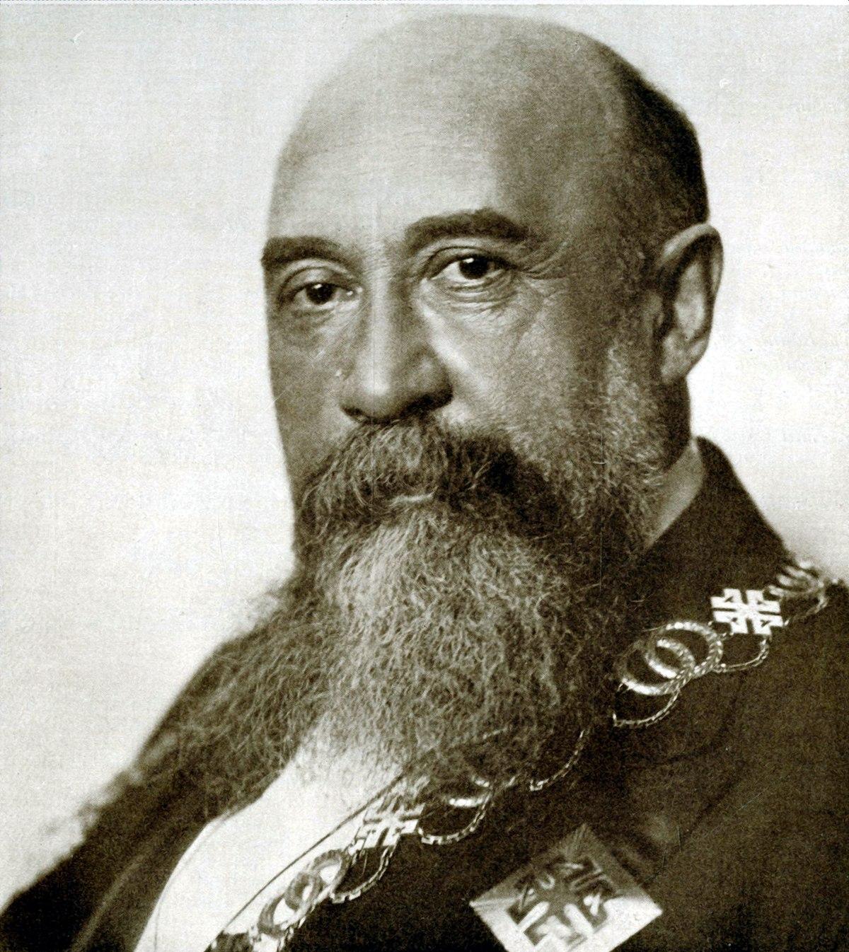 Nicolae Iorga - Wikipedia