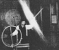 Nikola-Tesla-experimenting-768x646.jpg