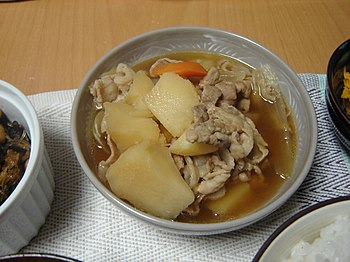 Nikujaga (meat and potato stew)