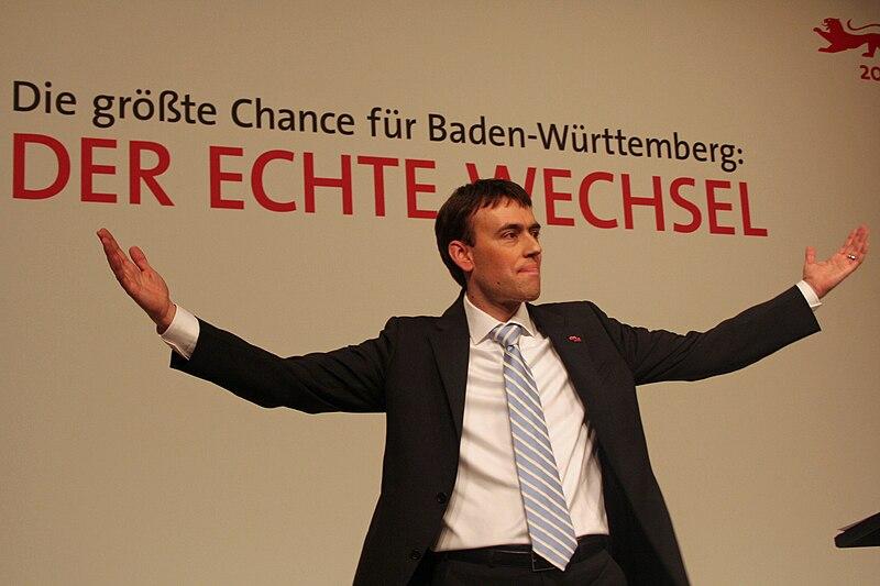 Datei:Nils-schmid-spd-bw-parteitag-stuttgart-2011.jpg