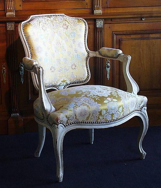 Fauteuil cabriolet de style Louis XV