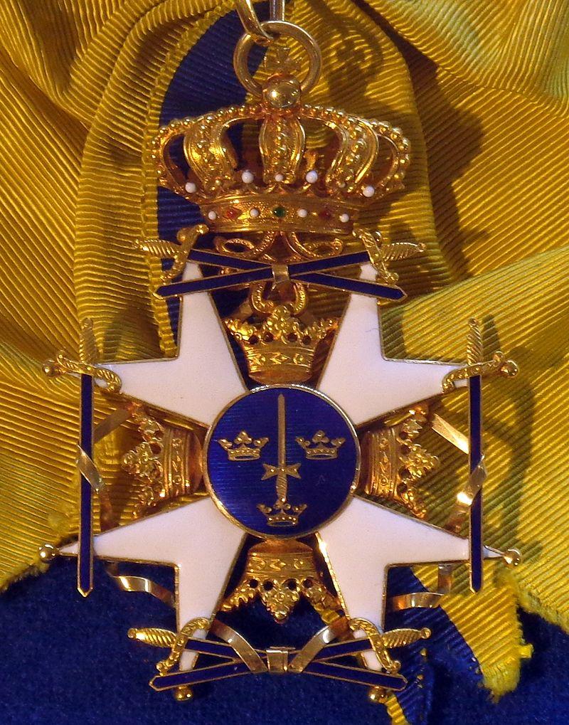Order of the Sword grand cross badge (Sweden) - Tallinn Museum of Orders.jpg