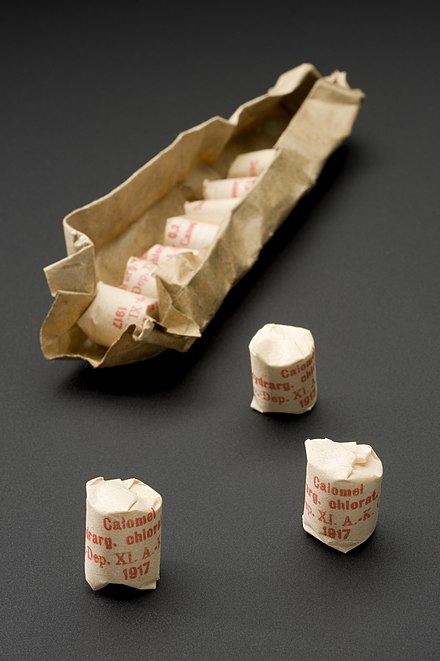 Packets of calomel. Packet of mercurous chloride tablets, Kassel, Germany, 1914- Wellcome L0058828.jpg