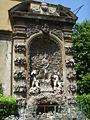 Palazzo Budini Gattai, fontana giardino 02.JPG
