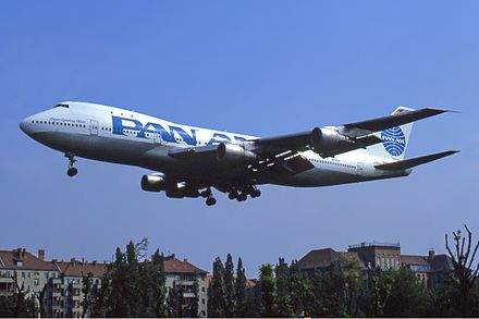 A Pan Am. Boeing 747-100 seen landing at Berlin Tempelhof in June 1987. Pan Am Boeing 747-100 Manteufel.jpg