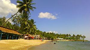Pantai Botutonuo.jpg