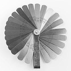 Parallel feeler gauge (imperial and metric)-92397.jpg
