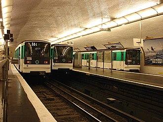 Pont de Levallois – Bécon (Paris Métro) - Image: Paris Metro Ligne 3 Pont de Levallois Becon 03