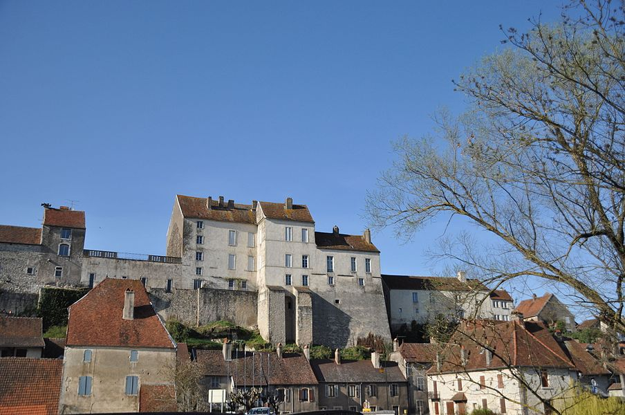 Pesmes (Haute-Saône, France) - fortifications