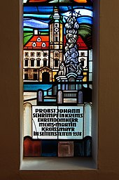 Pfarrkirche Wagram Bleiglas Rathaus.JPG