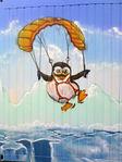 Pingu am Fallschirm.jpg