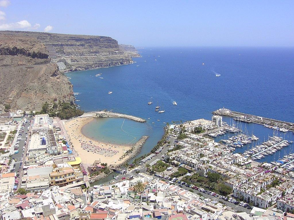 File playa puerto mogan gran wikimedia commons - Puerto mogan gran canaria ...