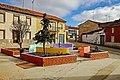 Plaza en la calle Eusebio Temprano en Fuentes de Ropel.jpg