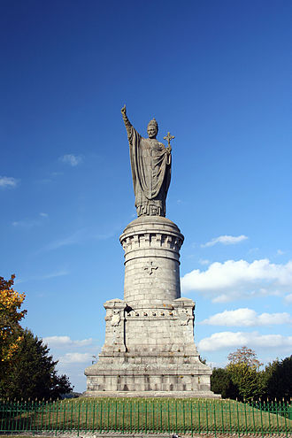 Champagne (wine region) - Statue of Pope Urban II in Champagne