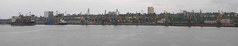 Панорама южной части порта «Черноморск»