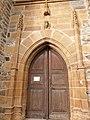 Portail de style ogival de la chapelle des Infournats.jpg