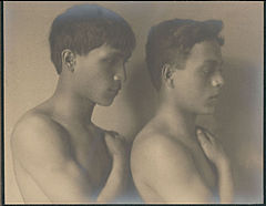 Portrait of Japanese-Hawaiian and Portuguese-Hawaiian boys 1909.jpg