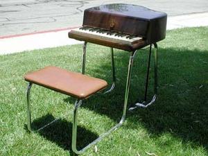 Harold Rhodes (inventor) - Pre-piano, 1946
