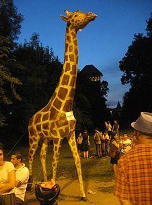 Proteste Victoria, girafa de la Antipa 5-7-12 01.jpg