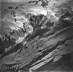 Redoubt Glaacier and Volcano, icefall and bergschrund on the upper portions of the glacier, September 4, 1977 (GLACIERS 6762).jpg